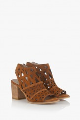 Велурени дамски сандали в карамел Бранди
