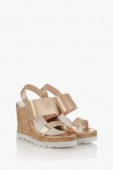 Дамски сандали на платформа в златисто Джоли