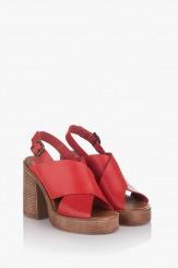 Дамски сандали на платформа Фрей в червено