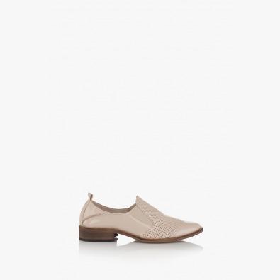 Дамски перфорирани обувки Фиорела в бежово
