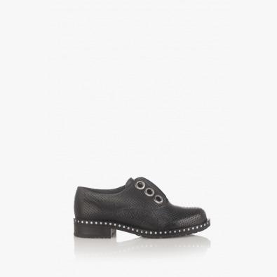Черни дамски обувки с перфорация Кая