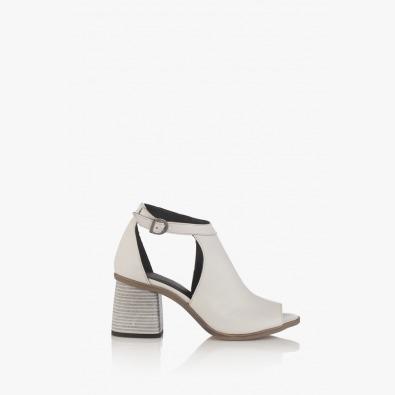 Дамски сандали на ток в бяло Чикаго