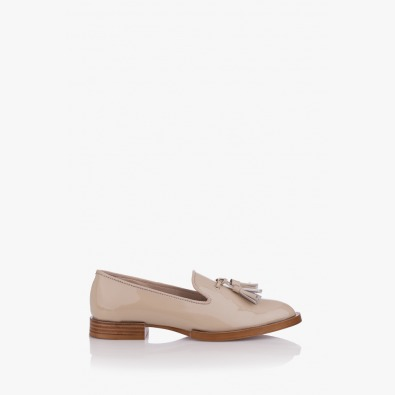 Дамски обувки от лак Карла цвят бежов