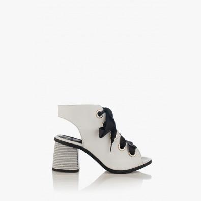 Кожени дамски сандали в бяло с връзки Рейн