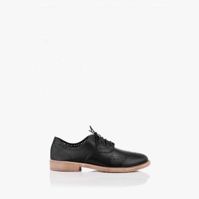 Кожени дамски обувки с перфорация в черно Мина