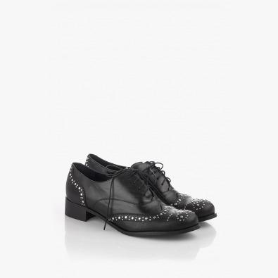 Дамски кожени обувки с капси и връзки