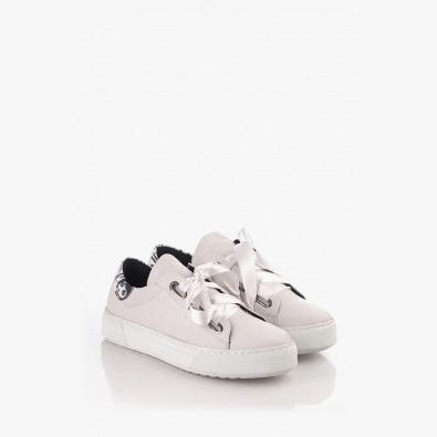 Спортни дамски обувки в бяло