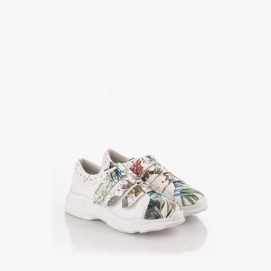 Спортни дамски обувки в бяло с цветен принт