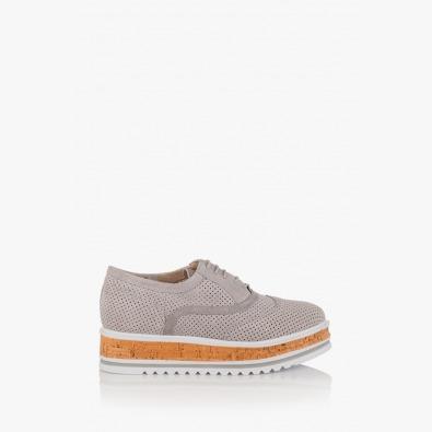Дамски велурени обувки с перфорация Дани