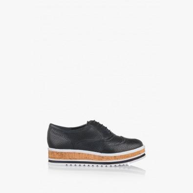 Дамски кожени обувки с перфорация Дани в черно