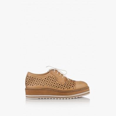 Дамски обувки с перфорация Санта на платформа