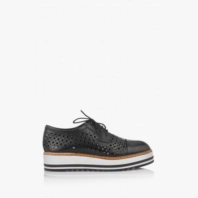 Дамски черни обувки с перфорация на платформа Санта