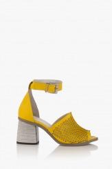 Дамски перфорирани сандали с ток Сторми