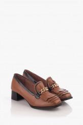 Кожени дамски обувки на ток