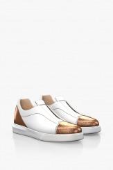 Дамски спортни обувки в бяло и златно