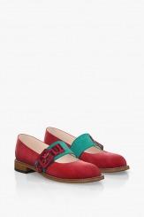 Червени велурени дамски обувки