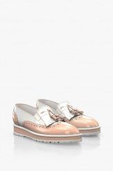 Дамски обувки в лак пудра с пискюл