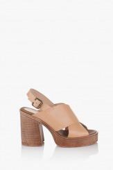 Бежови дамски сандали на платформа Фрей